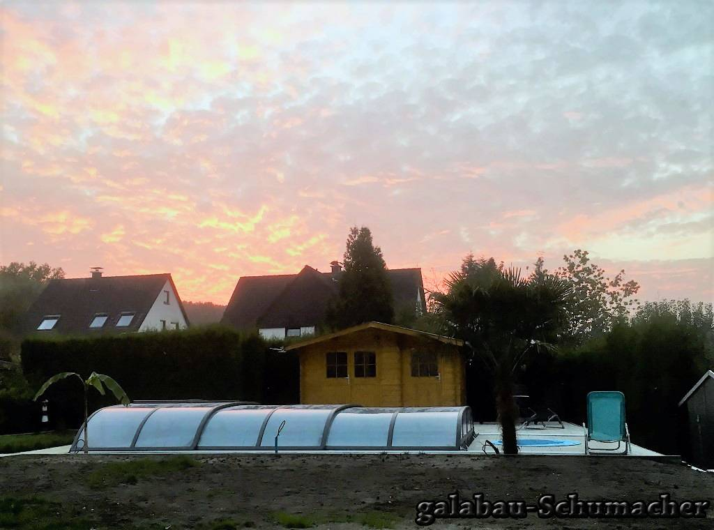 Pool in der Abendsonne